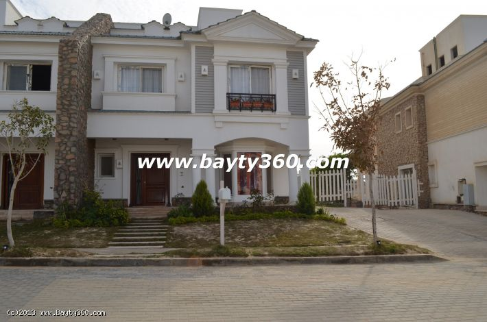 Twin villa for Sale in Mountain View Compound ,New Cairo