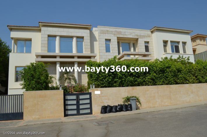 Luxerious villa for rent in katameya heights  compound new cairo